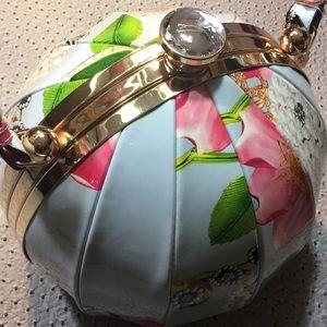 Brand new flower ball patent purse